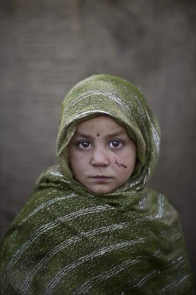 Des Portraits Saisissants d'Enfants Réfugiés Afghans 816