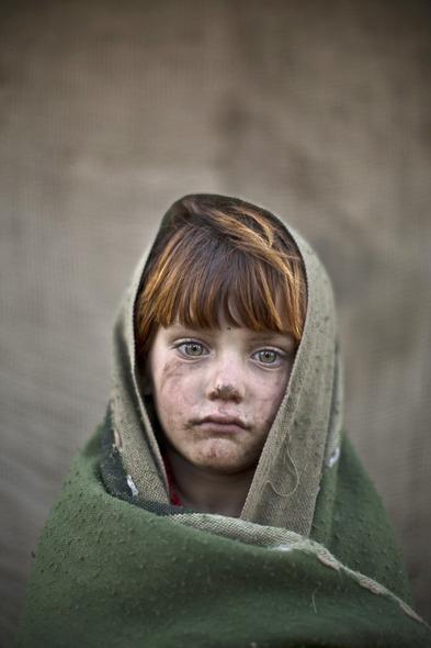 Des Portraits Saisissants d'Enfants Réfugiés Afghans 824