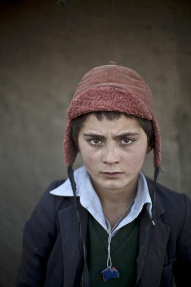 Des Portraits Saisissants d'Enfants Réfugiés Afghans 828
