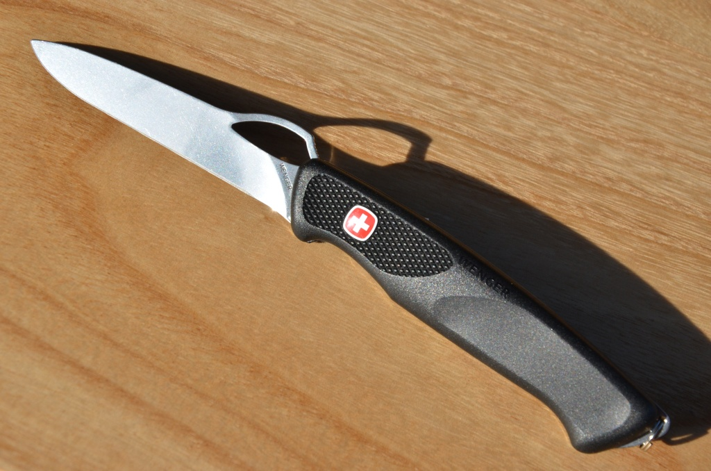 comparatif de 2 Victorinox 111mm: Hunter Vs Forester W_rang13