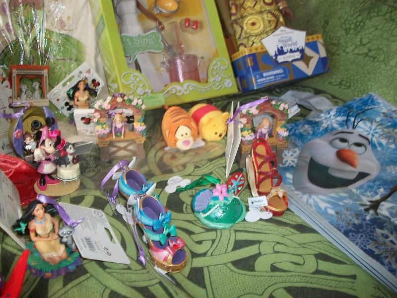 Commandes Groupées Disney Store US - Page 39 100_4015