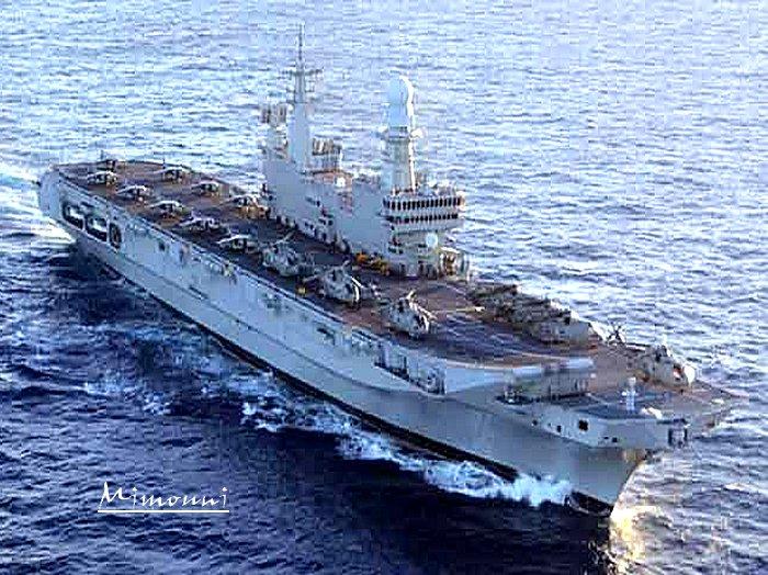 Marine - Après des sous marins la marine algerienne achète un porte avions Porte-10