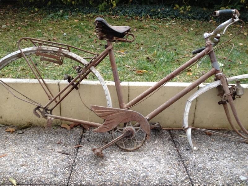 Peugeot ??? années 40's ??? Verlor10