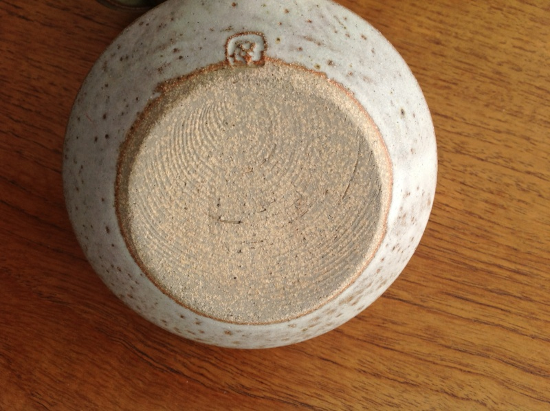 Bowl with handle 2014-171