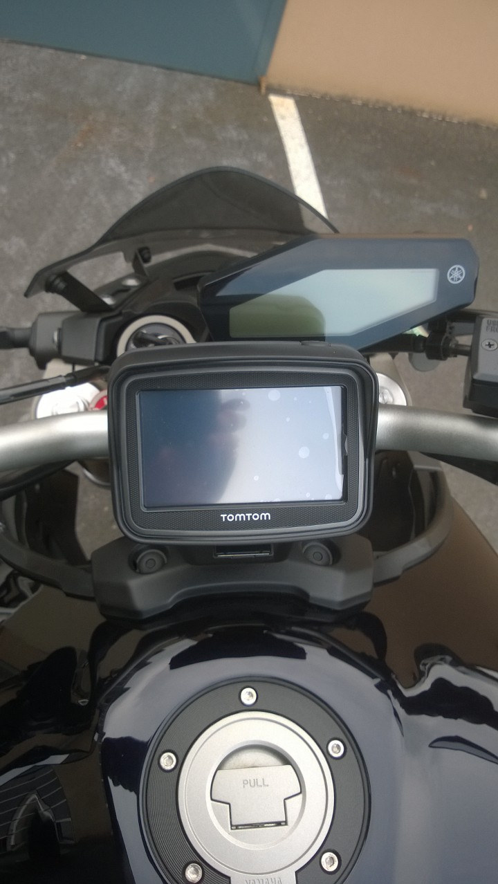 Support GPS Tomtom Rider / Fixation au compteur Wp_20119