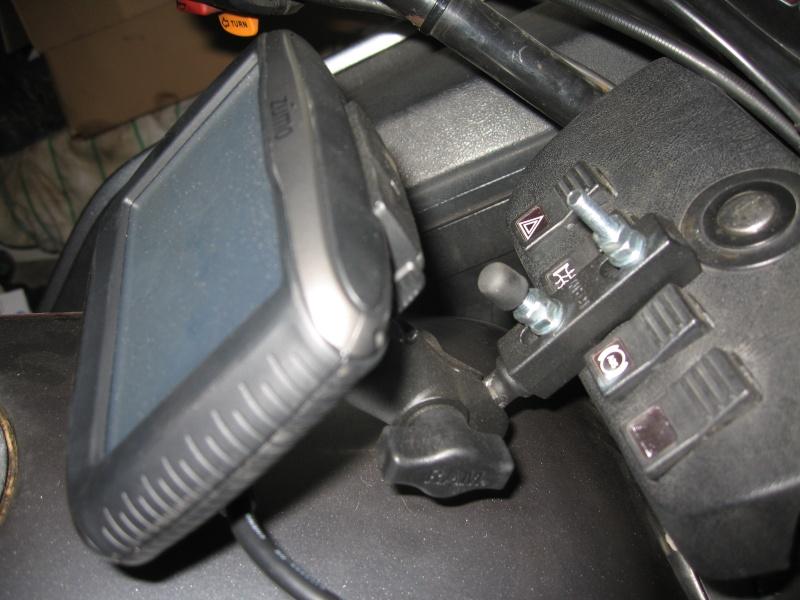 GPS mount on a naked k100 Img_7320