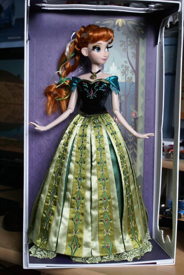 Disney Store Poupées Limited Edition 17'' (depuis 2009) - Page 39 Dsc01911