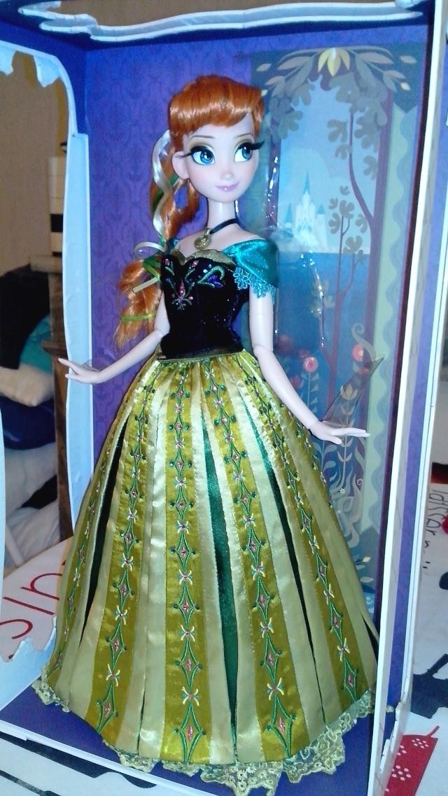 Disney Store Poupées Limited Edition 17'' (depuis 2009) - Page 39 Img_2028