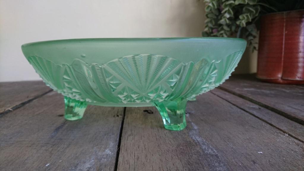 Davidson Green glass bowl-pattern 718 Dsc_0210