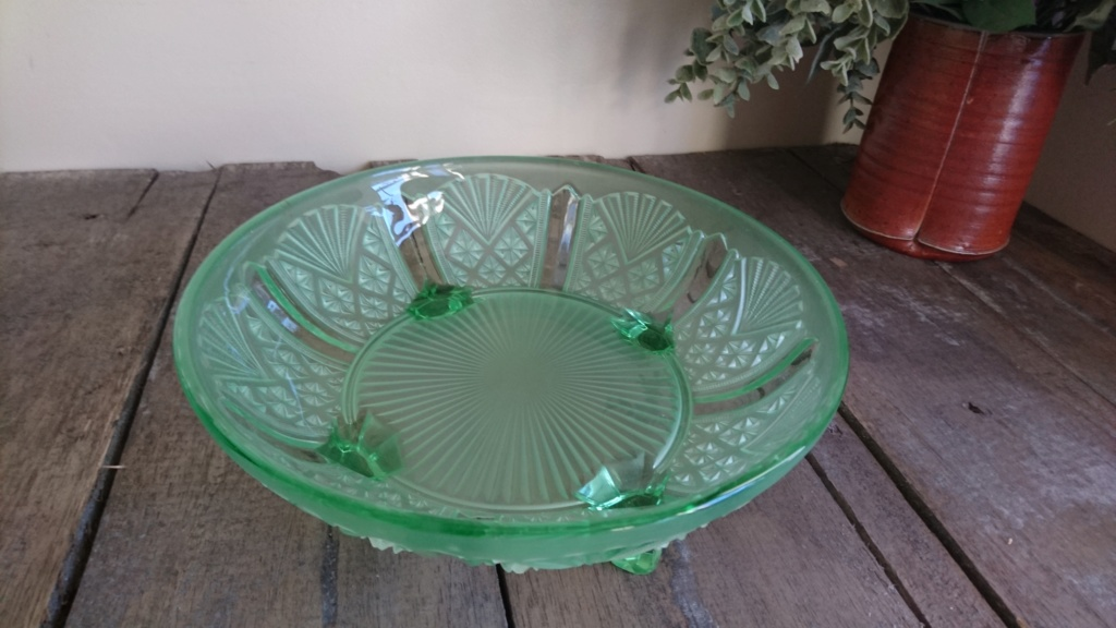Davidson Green glass bowl-pattern 718 Dsc_0212