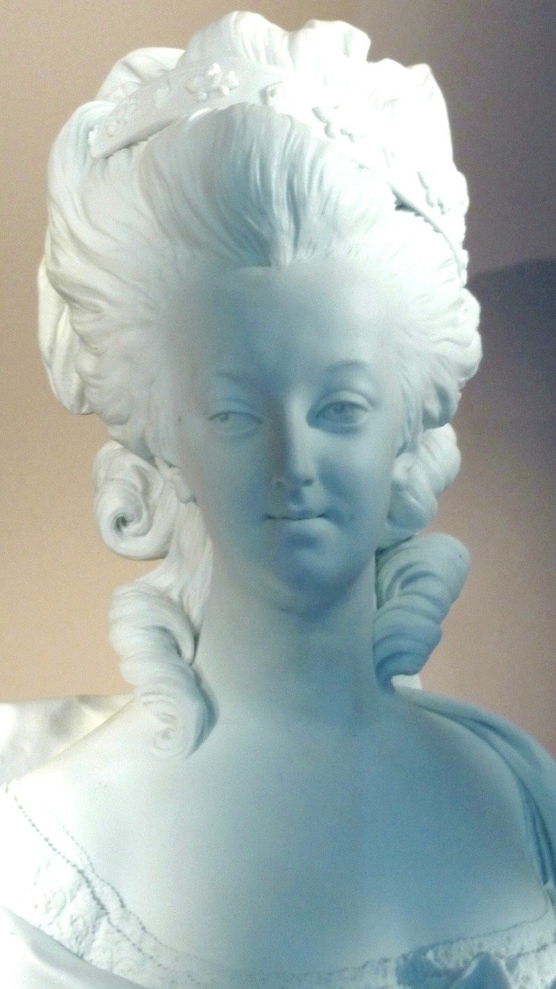Marie Antoinette, par (et d'après) Louis-Simon Boizot Img_2032