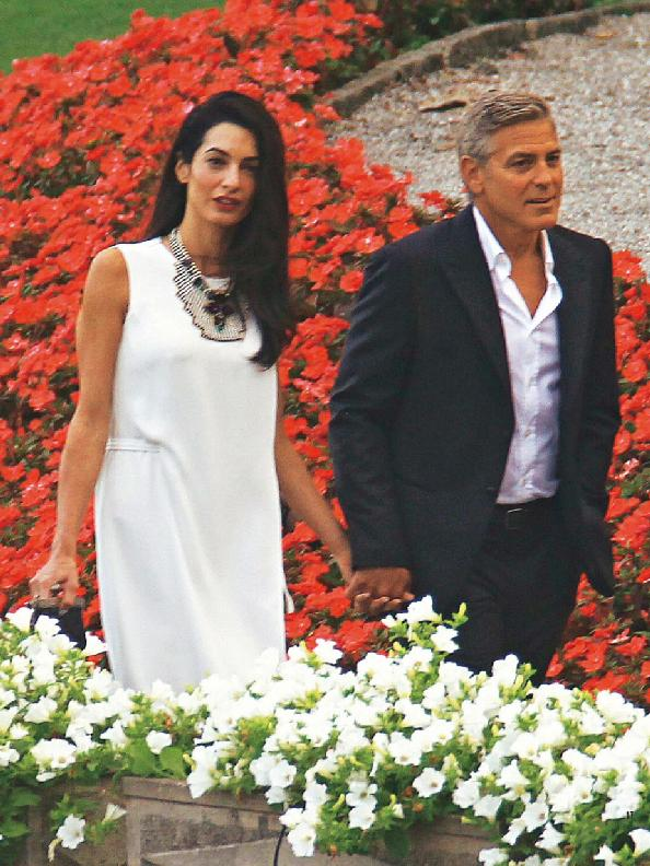 Photos surface of Clooney and Amal scouting wedding venues at Lake Como - Page 4 Hello_13