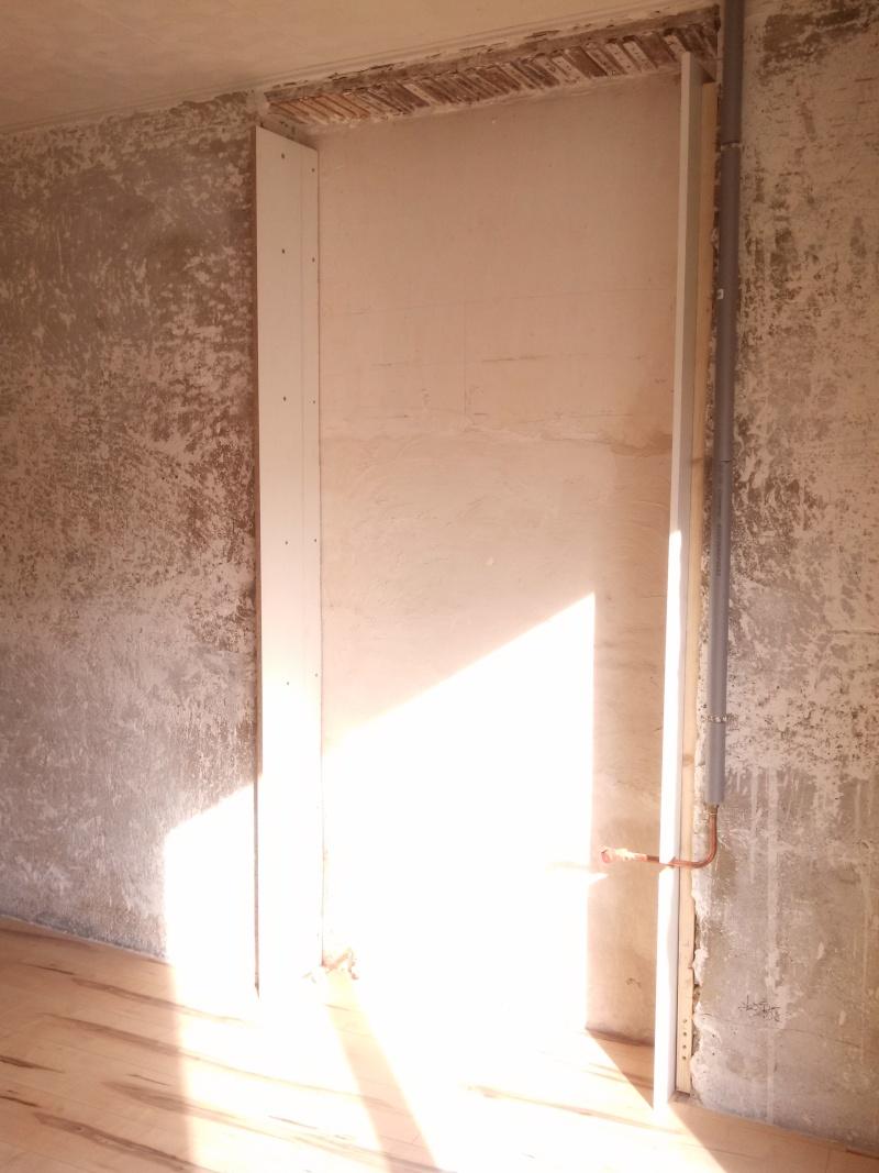 Travaux (TERMINÉS !) : Habillage d'un salon en bois massif Img_2016