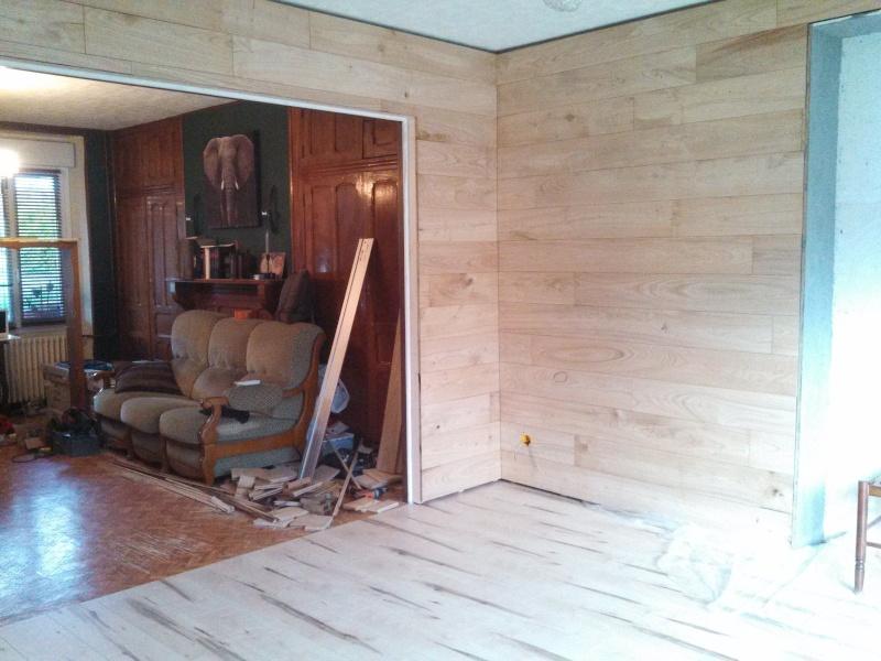 Travaux (TERMINÉS !) : Habillage d'un salon en bois massif Img_2029