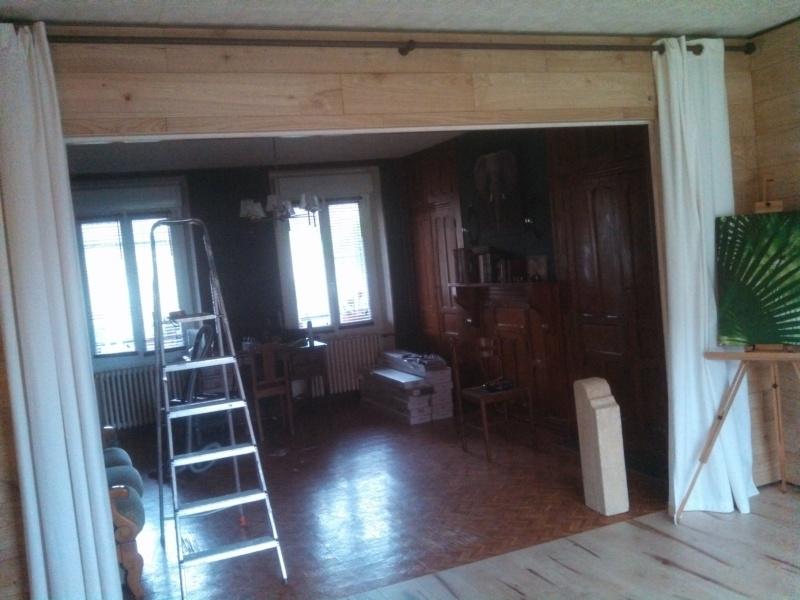 Travaux (TERMINÉS !) : Habillage d'un salon en bois massif - Page 2 Img_2034