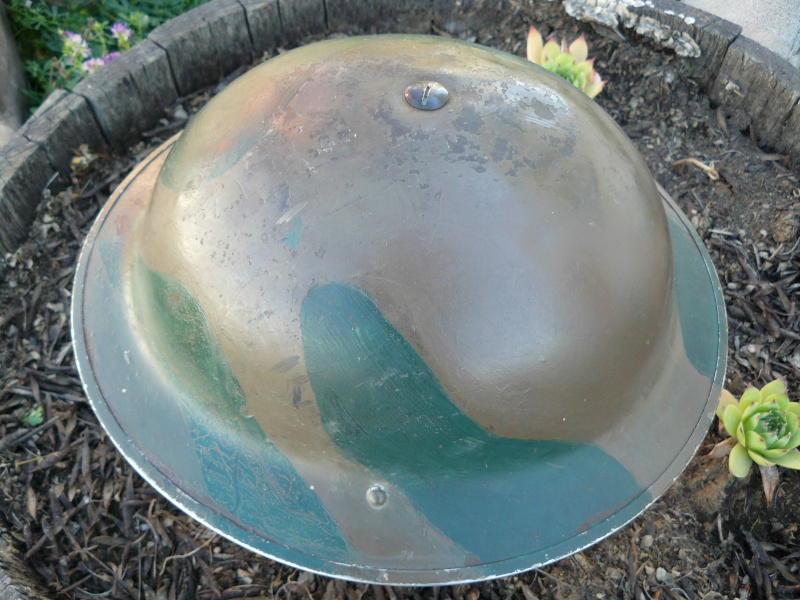 Lets see your favorite worn Canadian/Commonwealth helmets with nice aged patina - Page 2 Pictur21