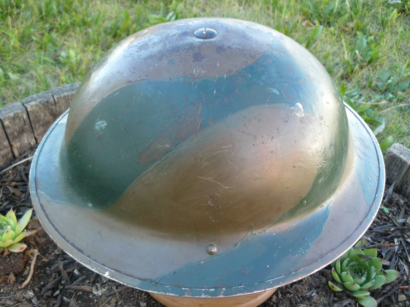 Lets see your favorite worn Canadian/Commonwealth helmets with nice aged patina - Page 2 Pictur22
