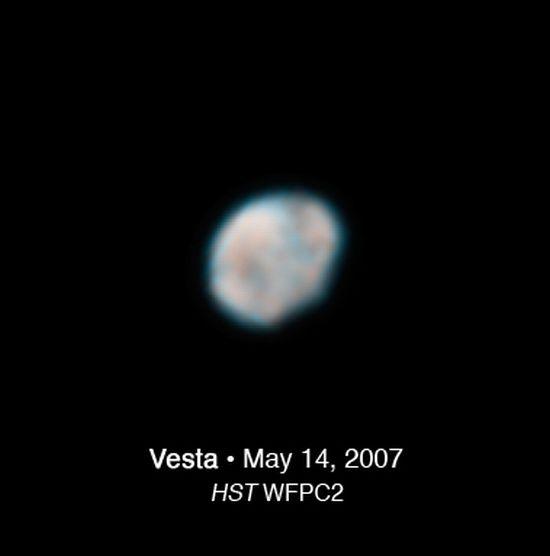 ¿Hay vida en Ceres? Detectan vapor de agua en planeta enano 417