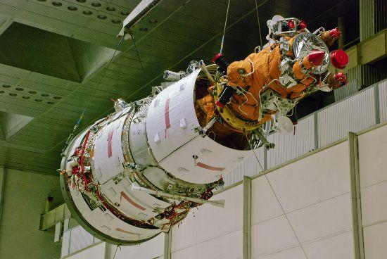 Rusia niega la explosión de un satélite ruso sobre EE.UU. F2_111
