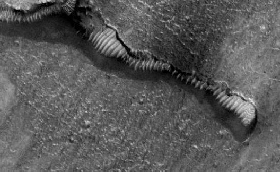 Marte : Misterio y Anomalías M20c_111