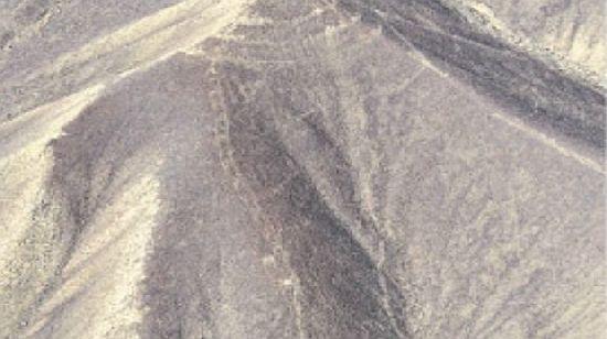 Perú: fuertes vientos dejan al descubierto nuevas enigmáticas figuras en el desierto de Nazca  N4_110