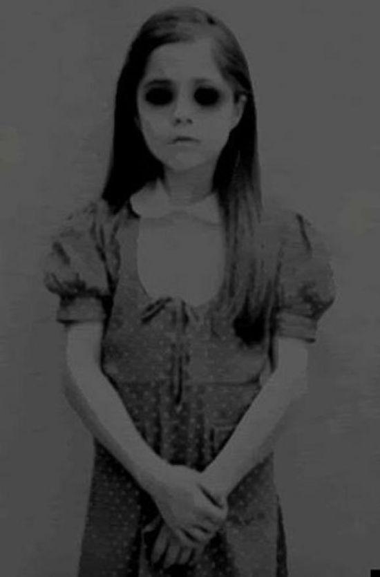 Aparición de la niña de ojos negros en Cannock Chase, Inglaterra después de 30 años On1_110