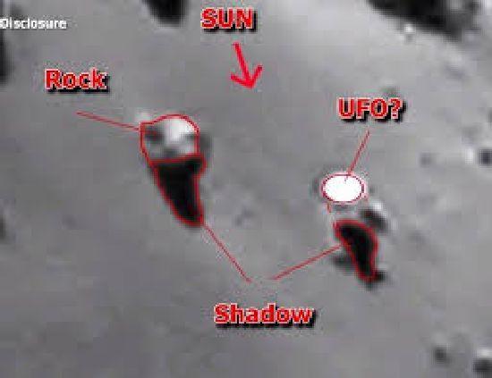 ¿Hay un OVNI sobre el cometa 67P? R411