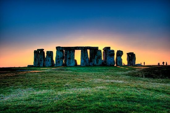 Confirman el hallazgo de otros grandes edificios rituales alrededor de Stonehenge S311