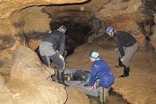 Arte rupestre 'invisible' en las cuevas de la meseta  Slide_14
