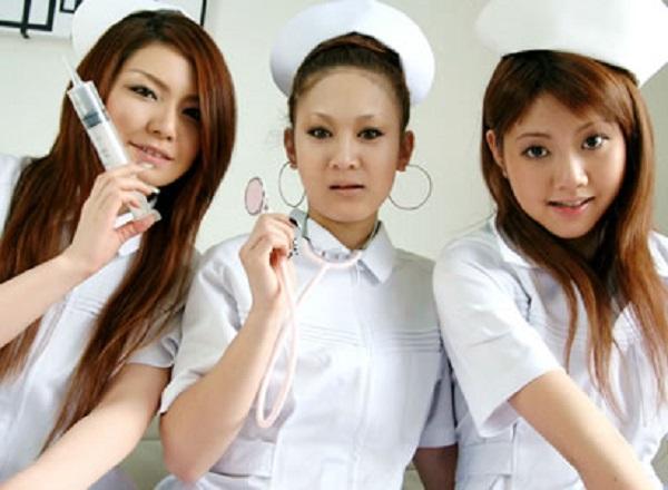 Discussions sur les infirmières d'Enolagay - Page 3 Nurses10
