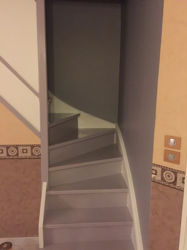 Escalier repeint et montée d'escalier relooke Img_0516