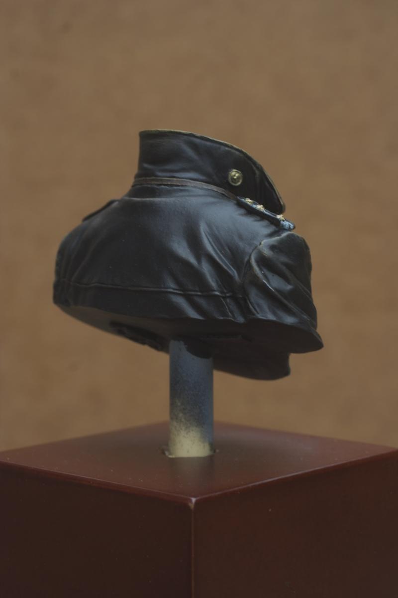 Buste U-Boat Commander - le début: la veste. 27/05 Img_5639