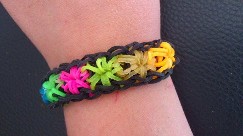 bracelets en élastiques - Page 2 Dsc_0369