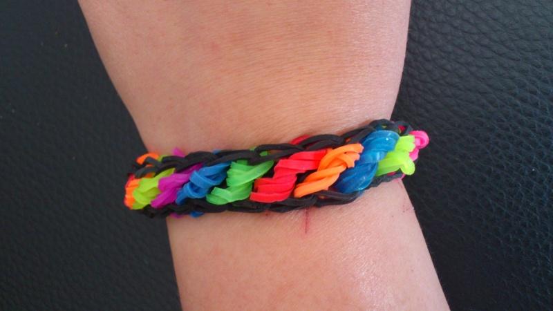 bracelets en élastiques - Page 2 Dsc_0371