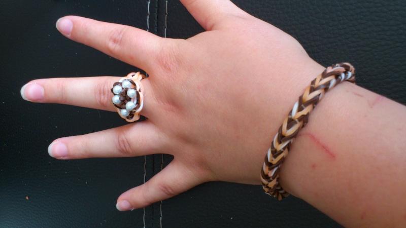 bracelets en élastiques - Page 2 Dsc_0372