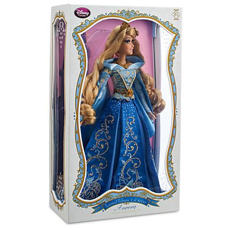 Disney Store Poupées Limited Edition 17'' (depuis 2009) - Page 39 41104010
