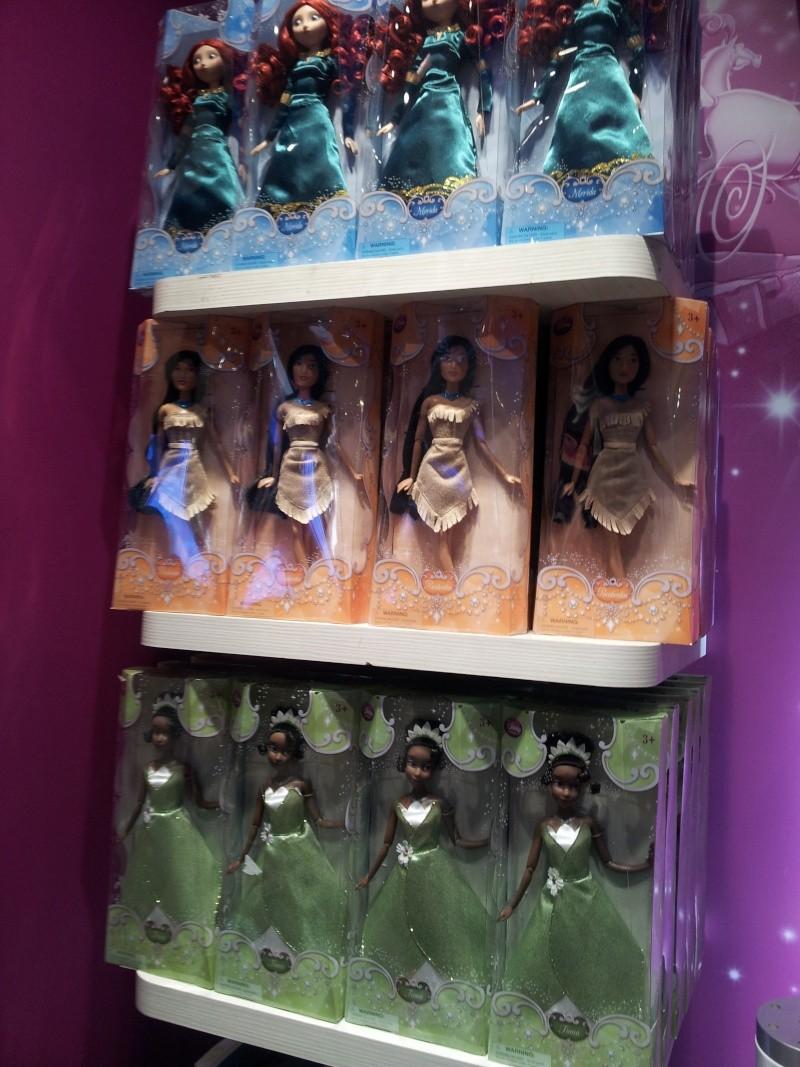 Poupées Classiques du Disney Store et de Disneyland - Page 39 20140678