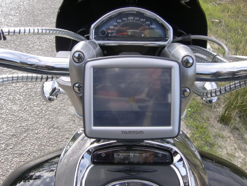 DIY GPS TomTom on the handlebar. Hpim2318