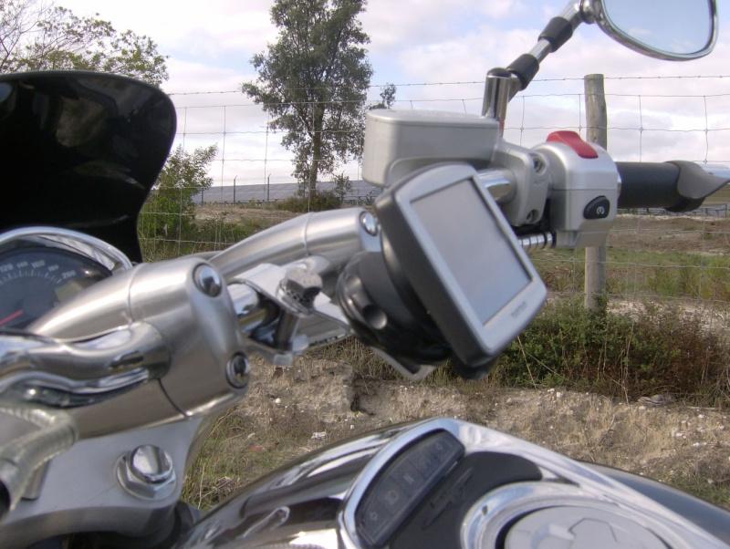 DIY GPS TomTom on the handlebar. Hpim2320