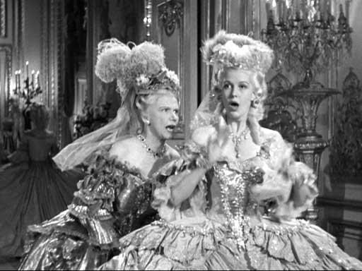 Marie Antoinette avec Norma Shearer (Van Dyke) - Page 8 04ma10