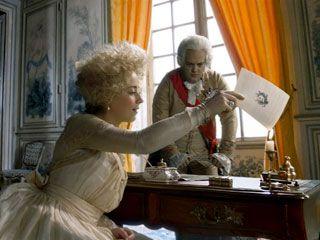 Marie Antoinette, la véritable histoire - Page 5 11449411
