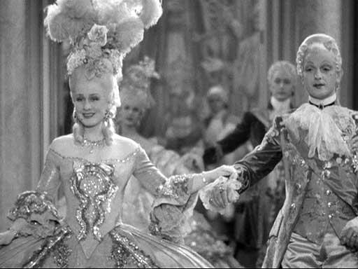 Marie Antoinette avec Norma Shearer (Van Dyke) - Page 8 11ma10