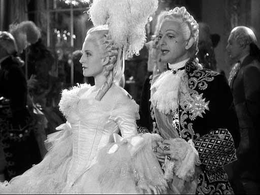 Marie Antoinette avec Norma Shearer (Van Dyke) - Page 8 22ma110