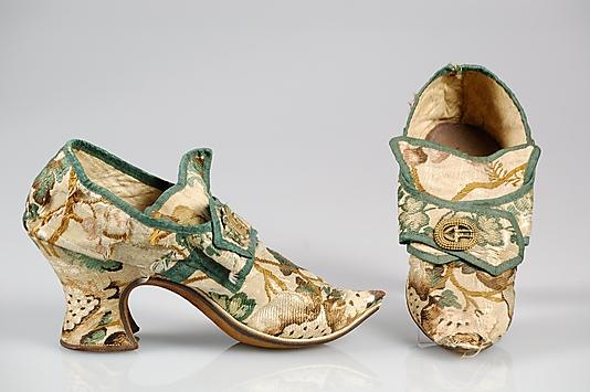 Les chaussures du XVIIIe siècle 28_10211