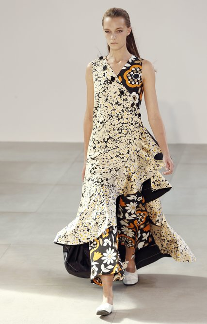 Paris Fashion Week Spring/Summer 2015: Marie Antoinette incontournable 29fwee10