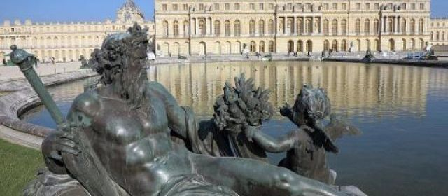 Maquettes de la marine de Napoléon au Grand Trianon 39328310
