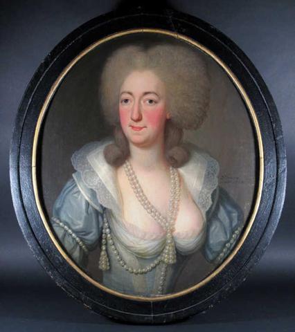 A vendre: portraits de Marie Antoinette? 42acd510