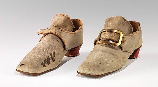 Les chaussures du XVIIIe siècle 4b0dcc10