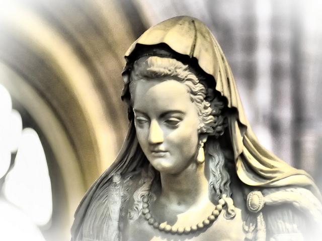 la basilique Saint Denis - Page 7 92432810