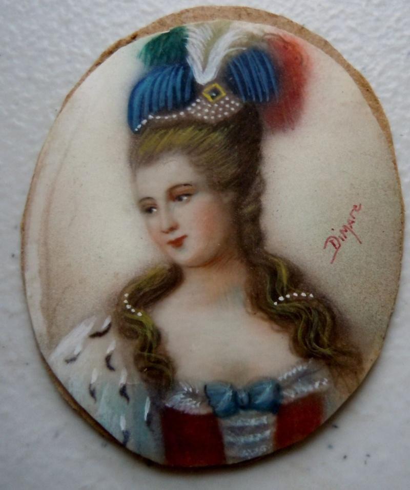 A vendre: miniatures de Marie Antoinette? _5711